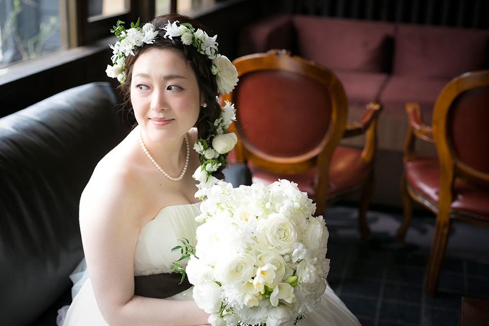 くつろぐ花嫁